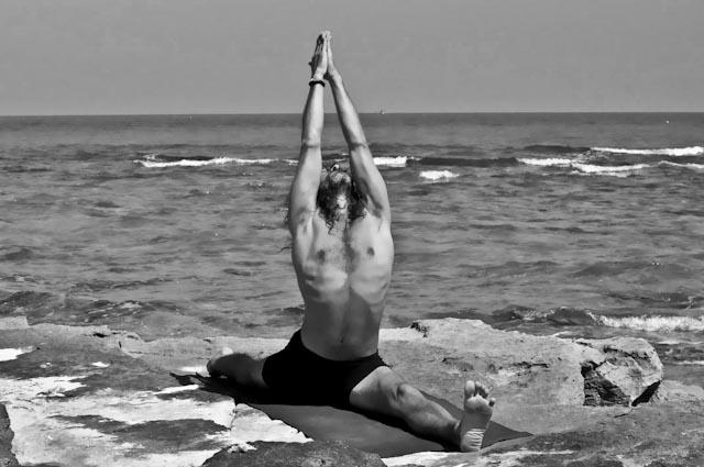 Hamsa Yoga Hanumanasana