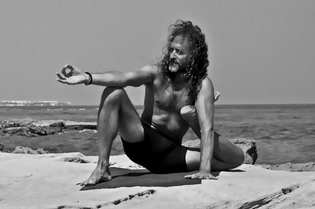 Hamsa Yoga Yoga Dandasana
