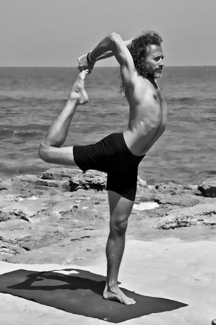 Hamsa Yoga Natarajasana
