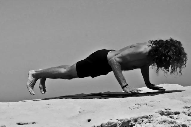 Hamsa Yoga Nakrasana